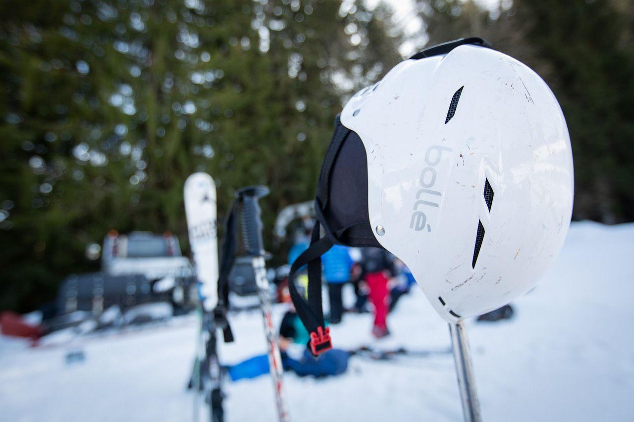 ¿Casco para esquiar, sí o no?  El eterno debate.